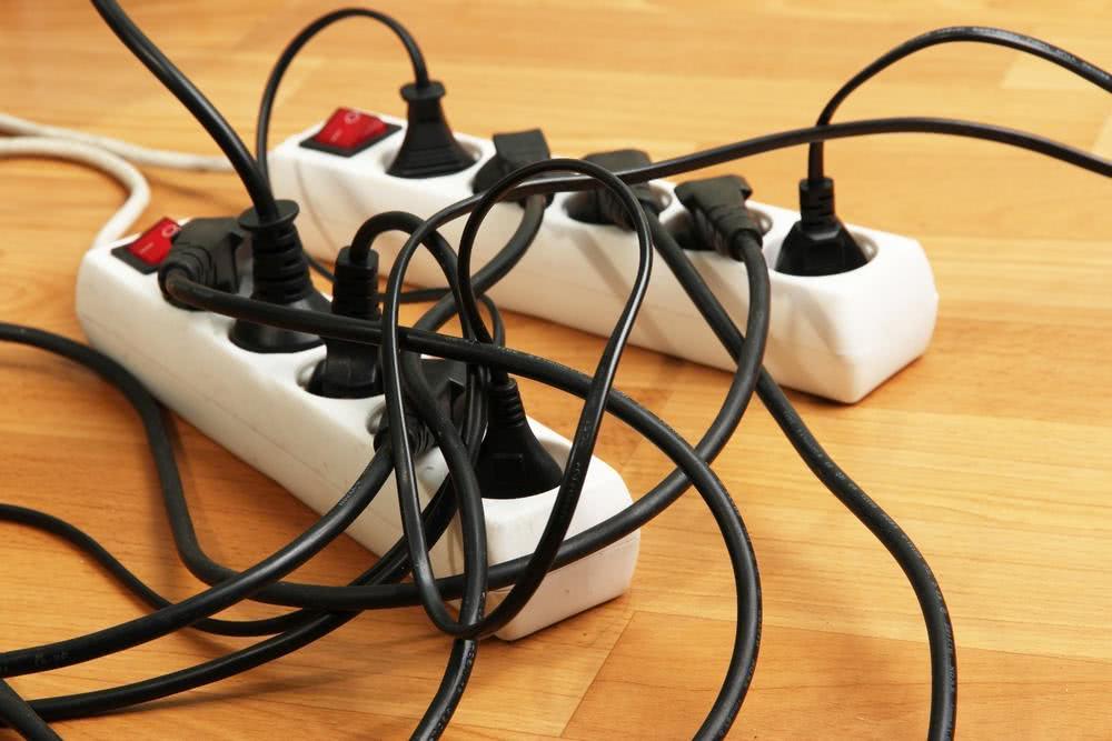 Электротехнические причины пожара: главные особенности возгораний